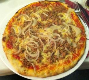 Pizza Thunfisch Zwiebeln