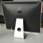 iMac mit MagicTrackPad und MagicMouse (von hinten)