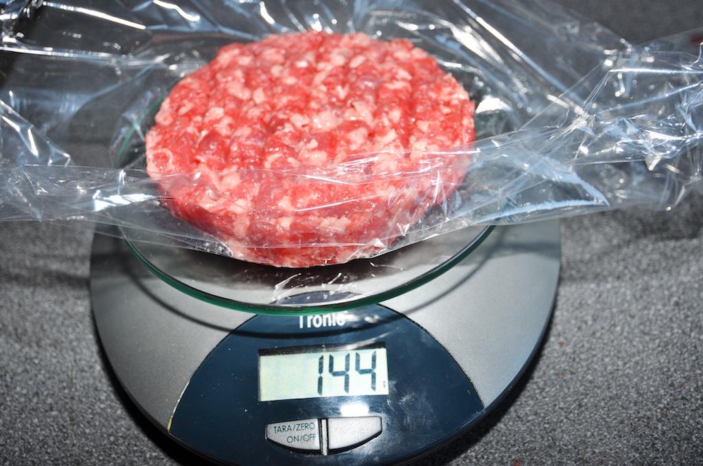 Hamburger auf der Wage