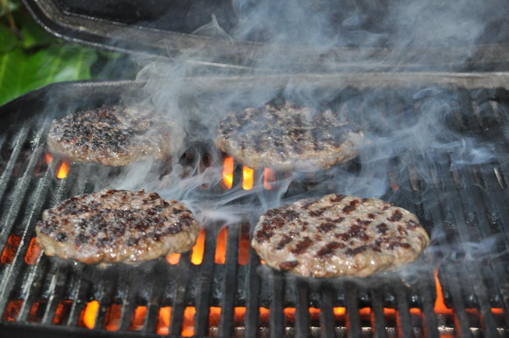 Gleich sind sie fertig - US Beef Burger
